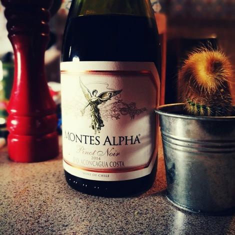 montes_alpha_pino_noir_review